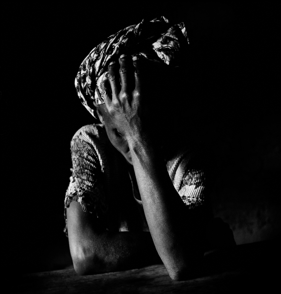 Photo on the cover of a MSF report on sexual violence (survivor of sexual violence in the DRC)