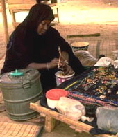 [Mauritania] Necklace maker
