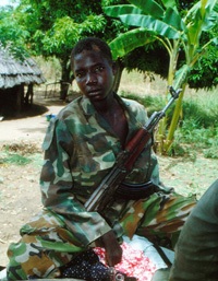 [Uganda] LRA child soldier.