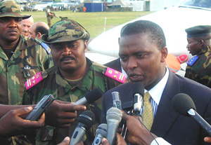 [DRC] The secretary-general of RCD-Goma, Azarias Ruberwa (right)in Kinshasa. At the left is the RCD-Goma deputy president, Jean-Pierre Ondekane.