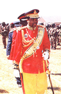 [SWAZILAND] King Mswati III inspecting his troops.