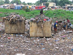 [Guinea] Garbage dump in Conakry, June 2004.
