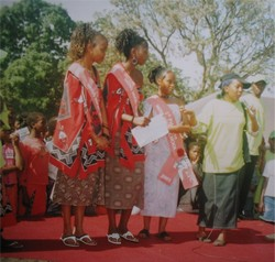 [Swaziland] Young Swazi women at