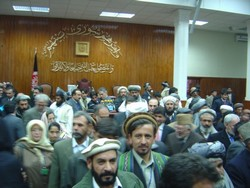 [Afghanistan] MPs jostle to enter Afghanistan's new parliament. [Date picture taken: 12/19/2005]