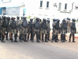 [Gabon] Riot ploice line up in the streets of the capital Libreville after protests against the reelection of Omar Bongo after 38 years as president. [Date picture taken: 12/01/2005]