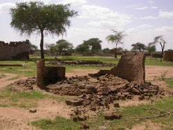[Sudan] Destroyed village of Kamungo just east of Kabkabiya town, North Darfur state, July 2005.