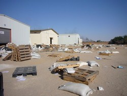 [Chad] Looted World Food Programme warehouse in eastern town of Abeche after a rebel incursion. [Date picture taken: 11/26/2006]