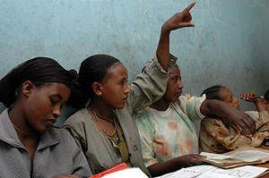[Ethiopia] Mulu Melka, lifts her hand in class, Addis Ababa, Ethiopia, 2 November 2006.