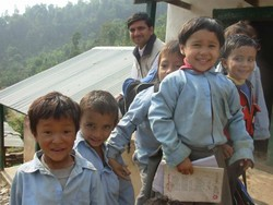 [Nepal] Improved security in rural areas means children can attend school without fear. [Date picture taken: 12/11/2006]