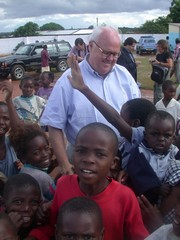 [Zambia] James T Morris, Special Envoy for Humanitarian Needs in Southern Africa, on visit to a school in Zambia.