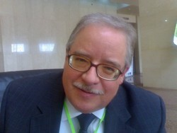 [Mali] Christopher Delgado, strategy and policy advisor with the Agriculture and Rural Development sector at the World Bank. [Date picture taken: 12/06/2006]
