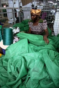 [Uganda] The distribution of insecticide-treated bed nets (ITN), both in the most populated and the more isolated regions of sub-Saharan Africa is proving to be a crucial step in the fight against malaria.