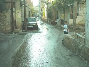 [Lebanon] Bad roads and poor housing: a common scene in southern suburbs.
