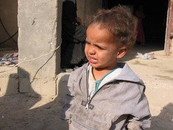 [Iraq] Health situation for children in Basra has deteriorated markedly since the US-led invasion in 2003. [Date picture taken: 04/12/2006]