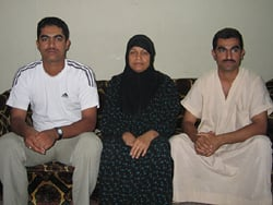 [Iraq] A Palestinian family has taken refuge with relatives in the capital. [Date picture taken: 03/05/2006]