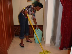 [United Arab Emirates] Domestic workers face abuse. [Date picture taken: 06/29/2006]