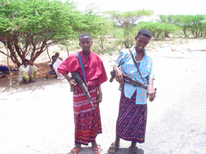 [Somalia] Somali child-soldiers. [Date picture taken: 05/06/2006]