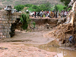[Ethiopia] A bridge that was destroyed by the floods in the middle of Dire Dawa city. [Date picture taken: 08/08/2006]