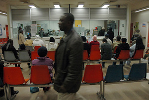 [South Africa] Despite a caseload of 3,000 patients, skilled staff management and a system of down-referral to satellite clinics has significantly reduced waiting times at Johannesburg General's ARV clinic. [Date picture taken: 01/20/2005]