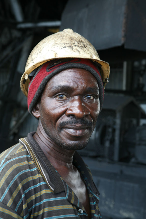 A worker in a coal mine belonging to Maamba Collieries, the largest coal producer in Zambia, 2 March 2007. The workforce has not been paid in months as the company faces serious financial problems since privatisation. Mining analyst Thom Kamwendo told loc