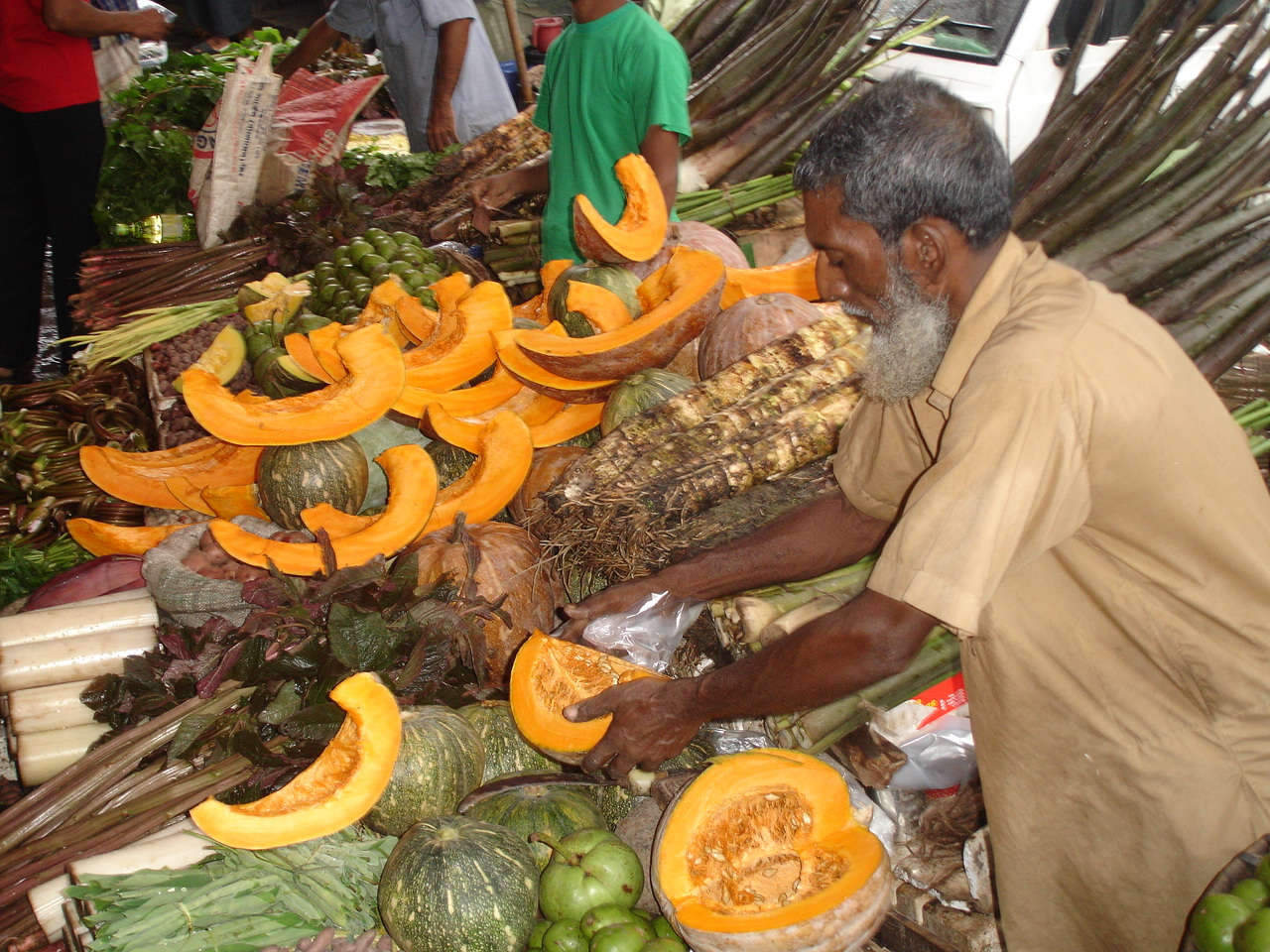 Bangladesh: How The Poor Cope With Rising Food Prices