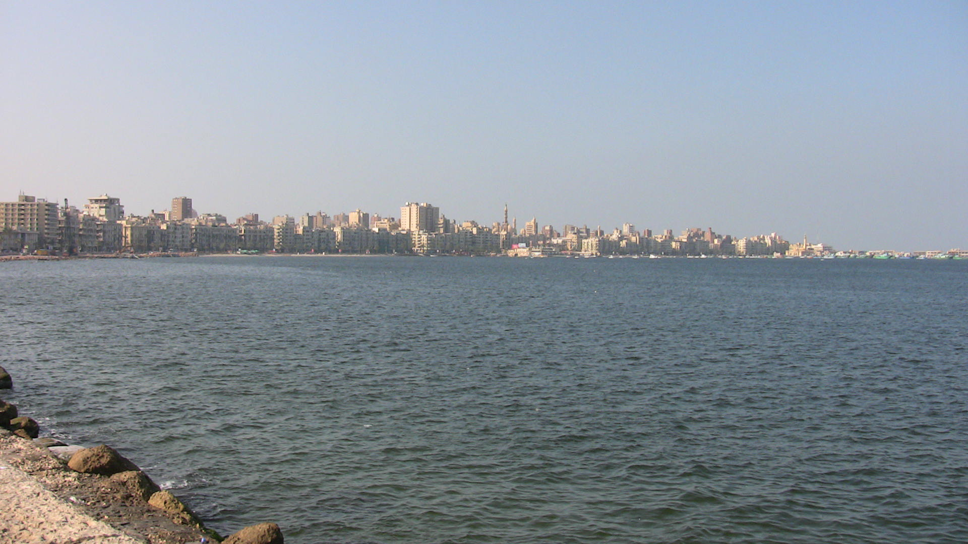With about five million inhabitants, Alexandria is Egypt's second biggest city. A rise in sea levels of 50cm could lead to the loss of about 194,000 jobs and the displacement of about 1.5 million people.