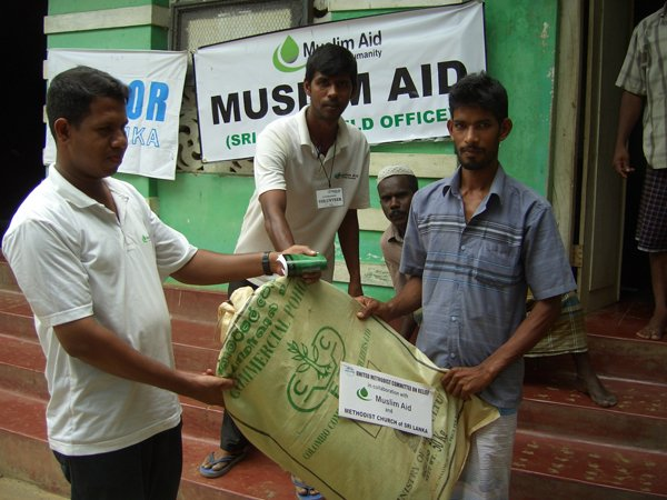 Muslim Aid and the United Methodists Committee on Relief formed a partnership in 2006 to help people displaced by the conflict in Trincomalee District in eastern Sri Lanka.