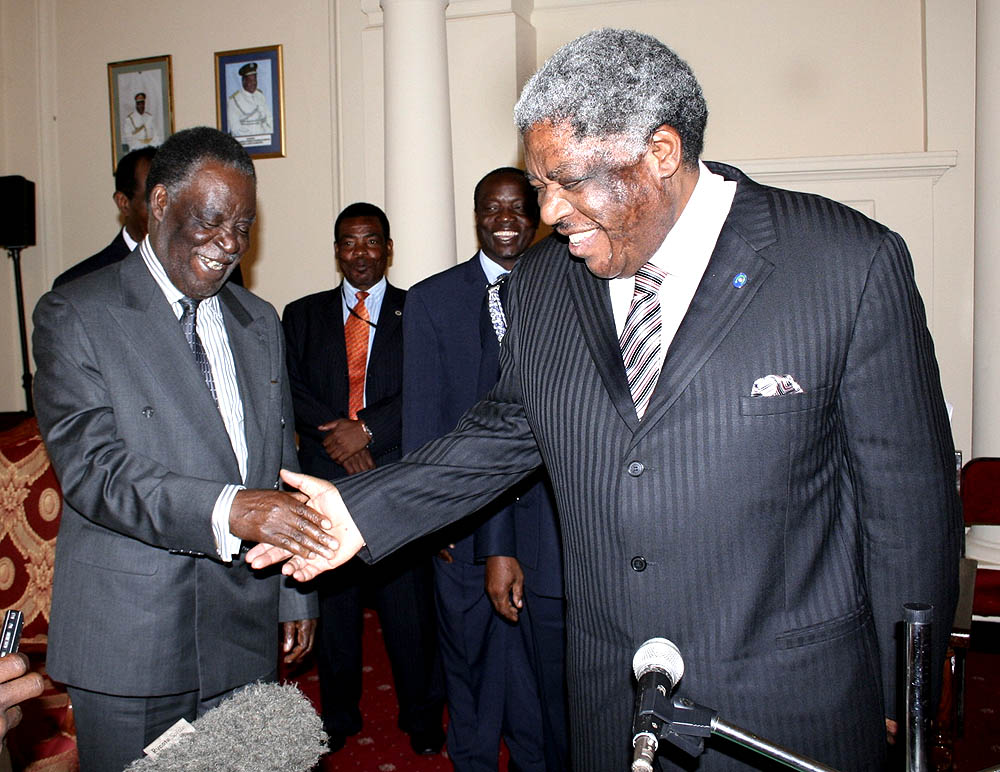 Levy Mwanawasa (right) with opposition leader Michael Sata.