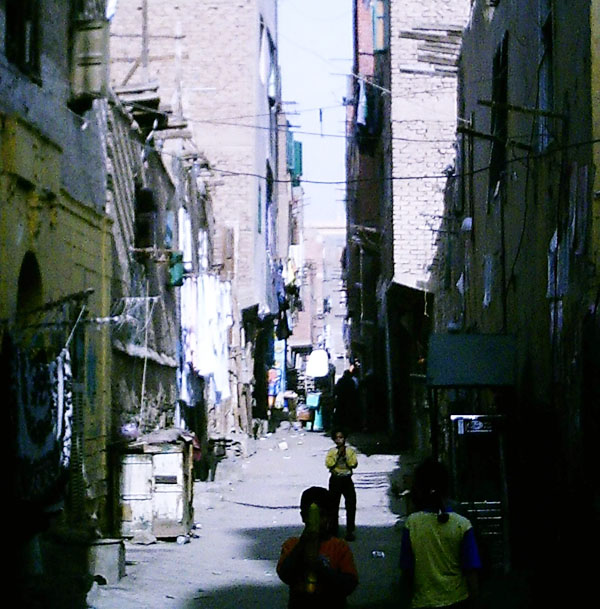 Organ brokers now reportedly operate in some shantytowns in the outskirts of Cairo, despite laws regulating organ transplants in Egypt