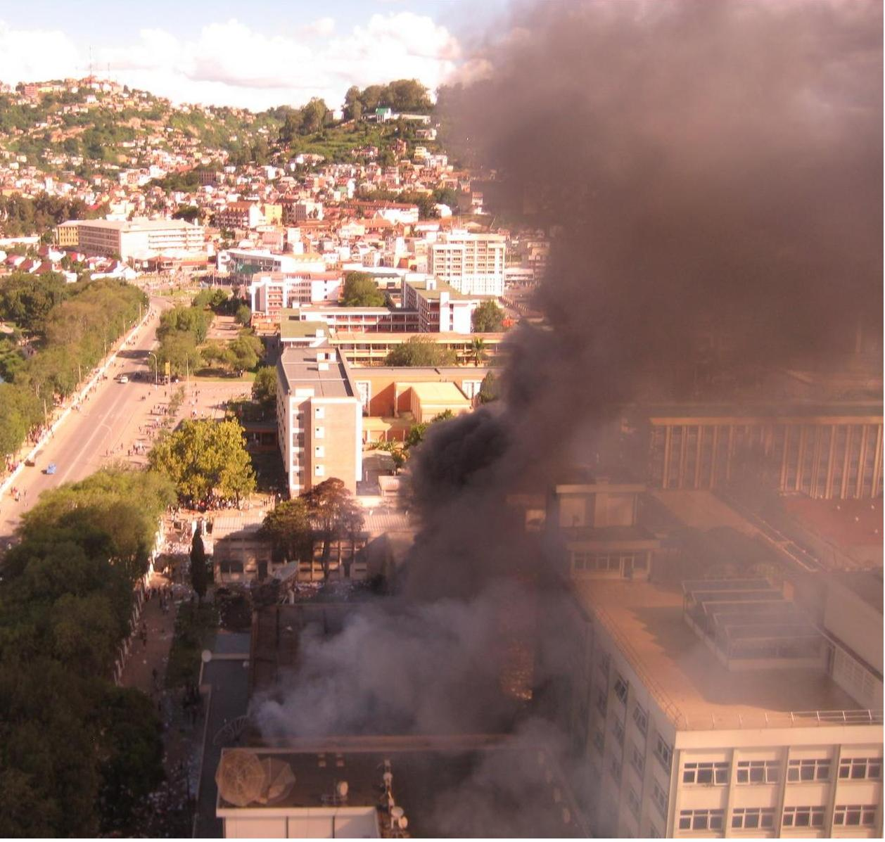Thousands of people calling for the removal of the government took to Antananarivo's streets, burning and looting