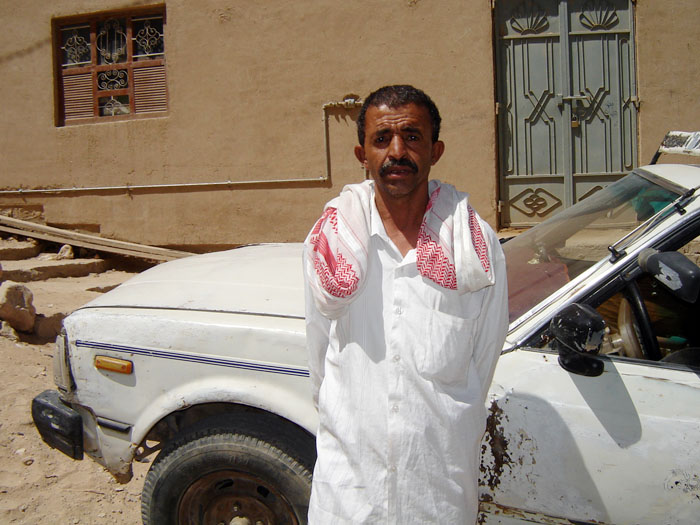 Issa Awadh S'edan, 57, a mason from Mashta, one of the severely affected areas in Tarim, lost his house in the torrential floods that hit Hadhramount on 24 and 25 October 2008