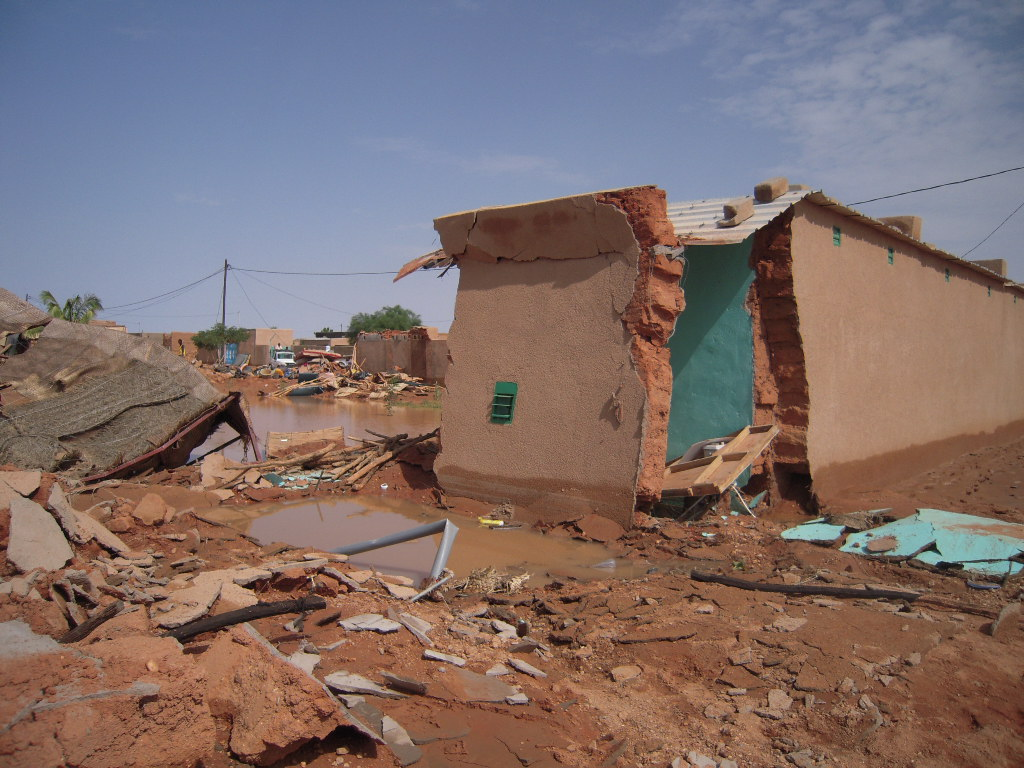 A broken damn, overflowing tributaries and now fallen homes in Niger's Agadez commune. Photo taken 2 September 2009