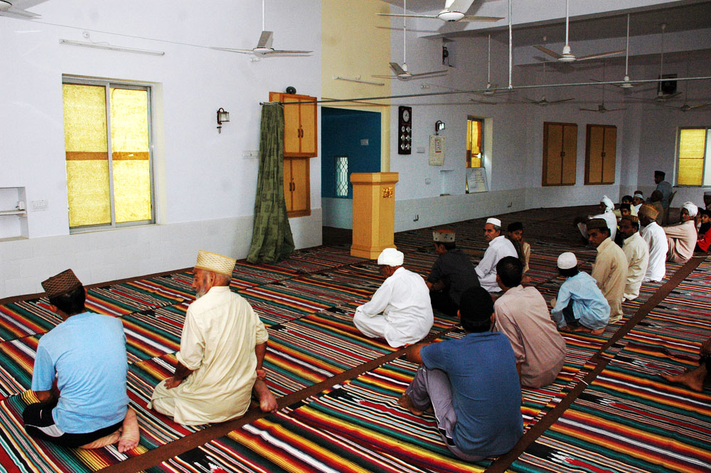 Ahmadis prepare for prayer