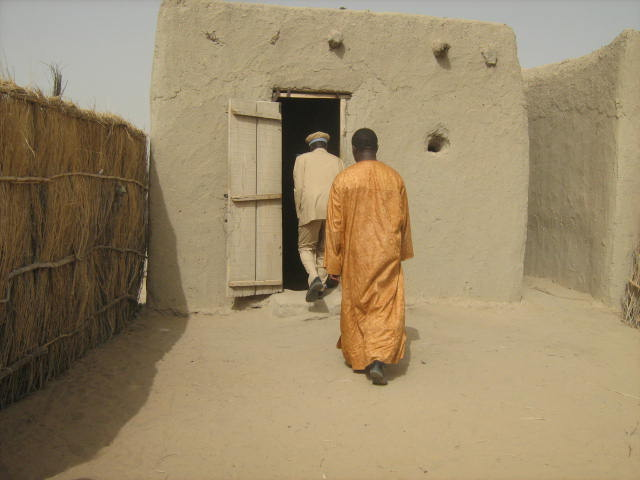 Health centre in Bol, Chad without living space for health workers, identified as a problem in rural health worker recruitment