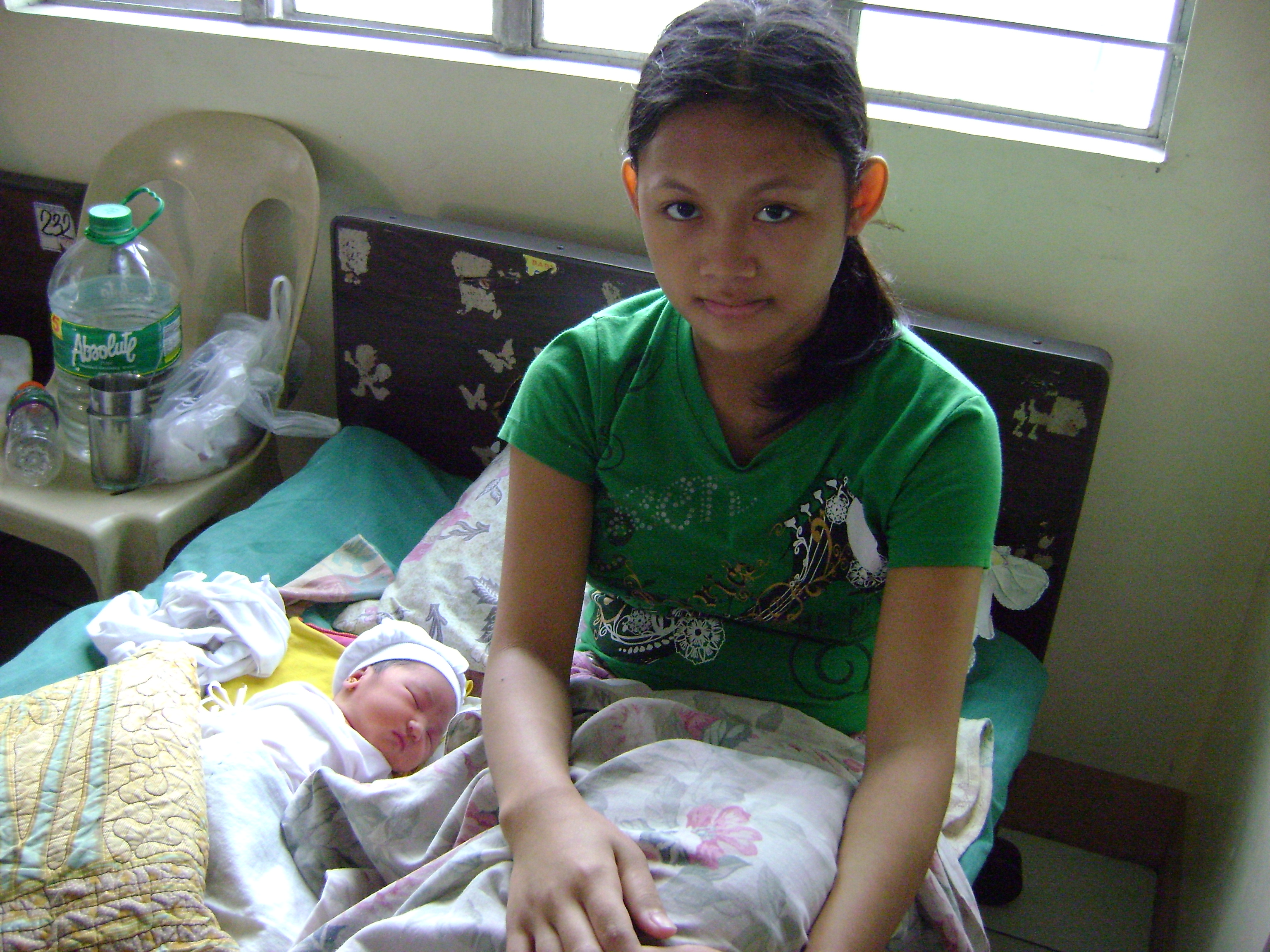 introduction thesis of teenage pregnancy The effects that adolescent pregnancy has on family life by ronette s lehman a research paper submitted in partial fulfillment of the requirements for the.