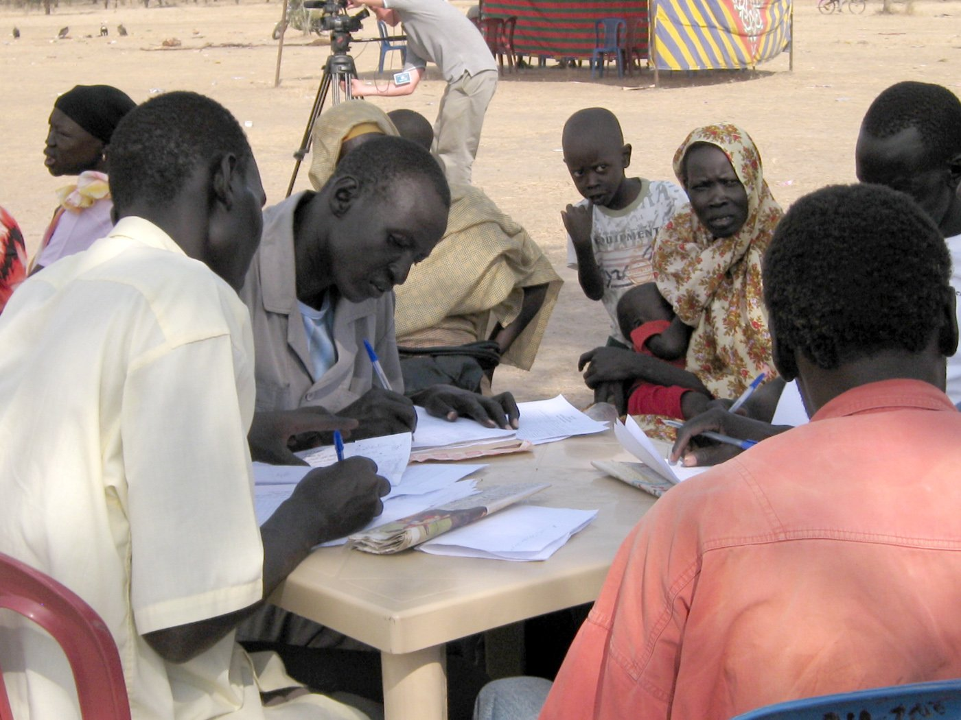 Returnees from Khartoum registering in Abyei