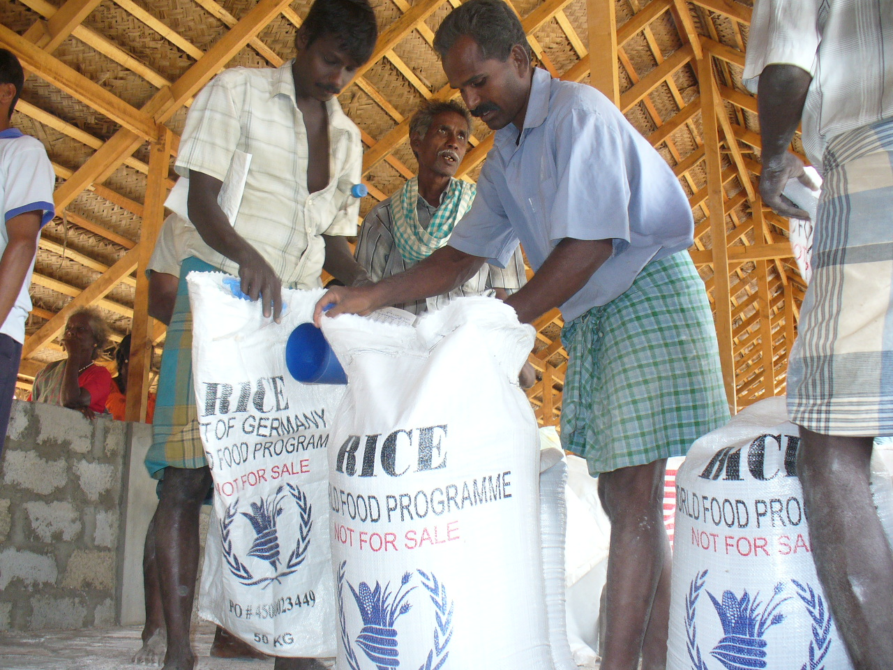 IDPs receiving food assistance at Menik Farm outside the northern Sri Lankan town of Vavuniya