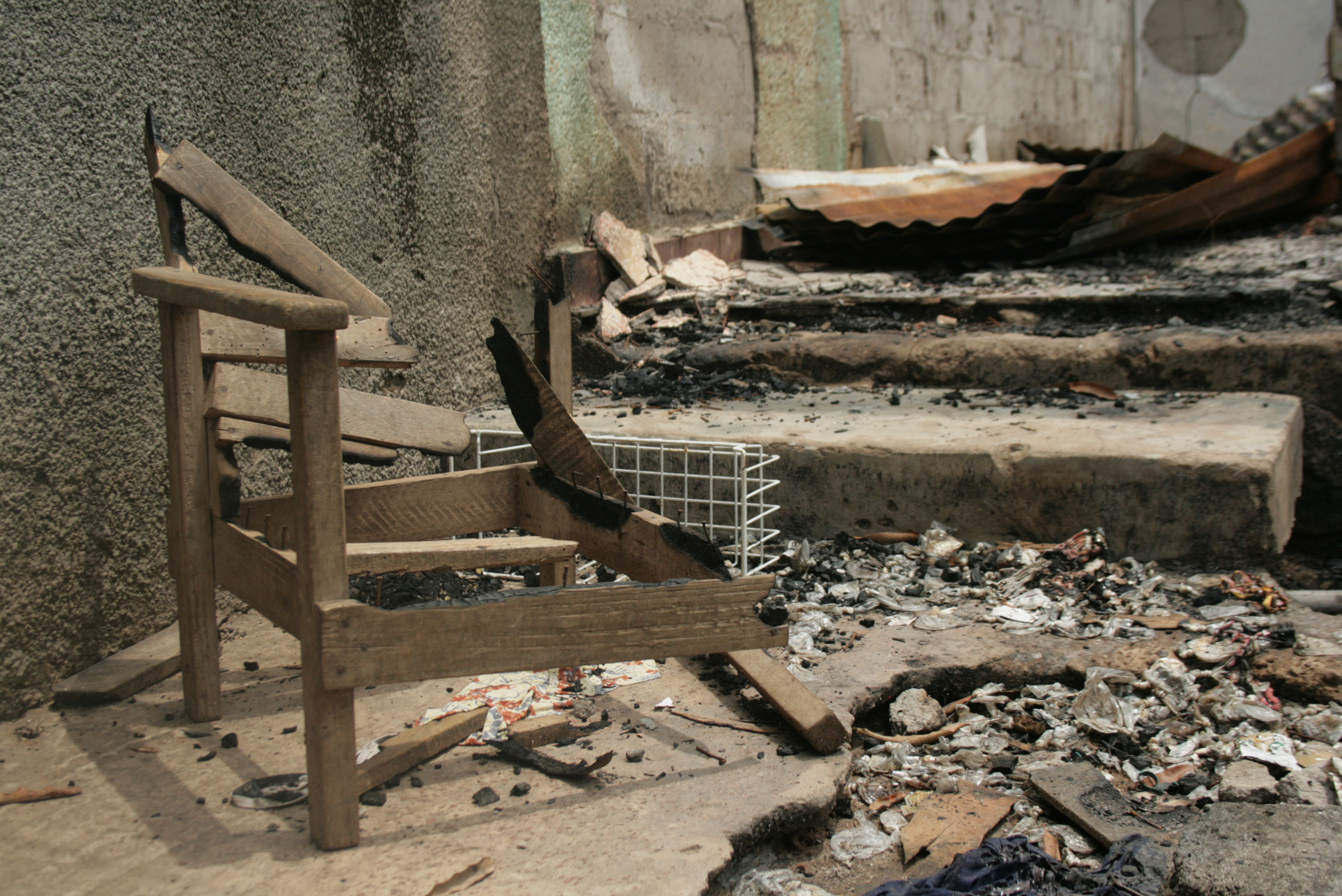 One of countless homes burned in a 29 March attack on the neighbourhood known as Carréfour in Duékoué, western Côte d'Ivoire. April 2011