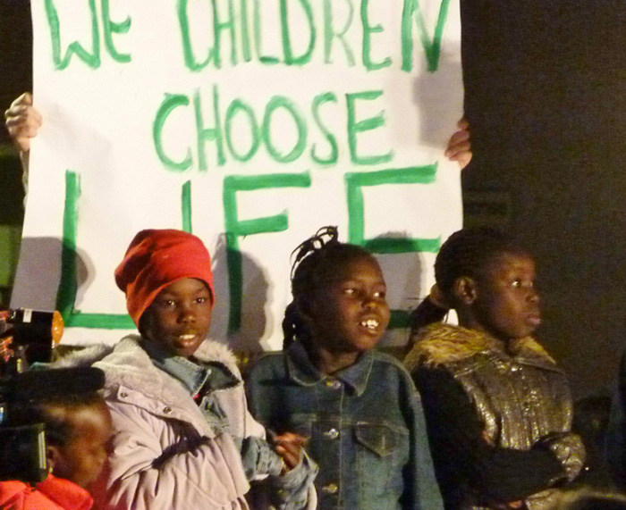 South Sudanese children at a protest against Israeli government directive to return home by the end of March