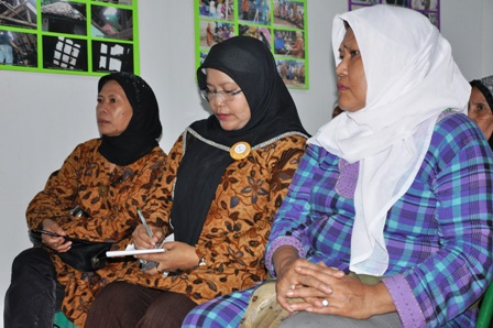 Close to 5,000 women have been trained up by Aisyiah to spread the word on TB. With a population of about 240 million, Indonesia has the fourth highest TB burden globally