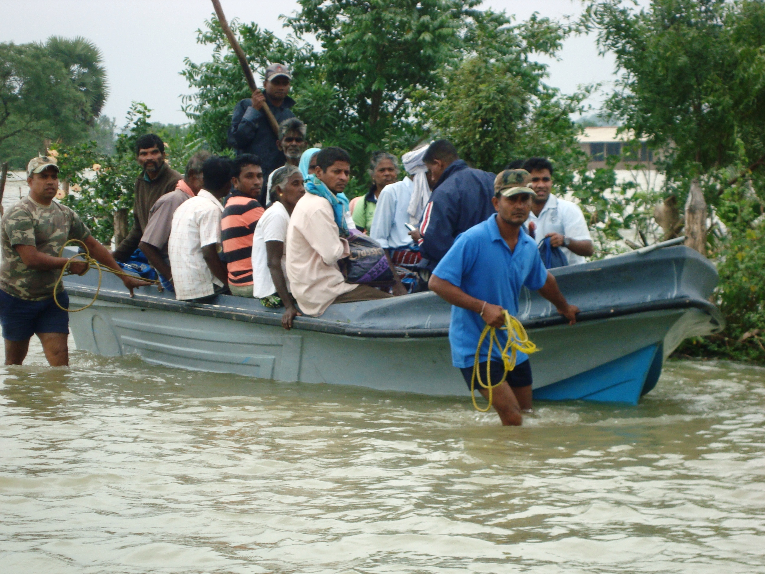 More than 20,000 people were affected across Sri Lanka by heavy rain and flooding on 17 December 2012
