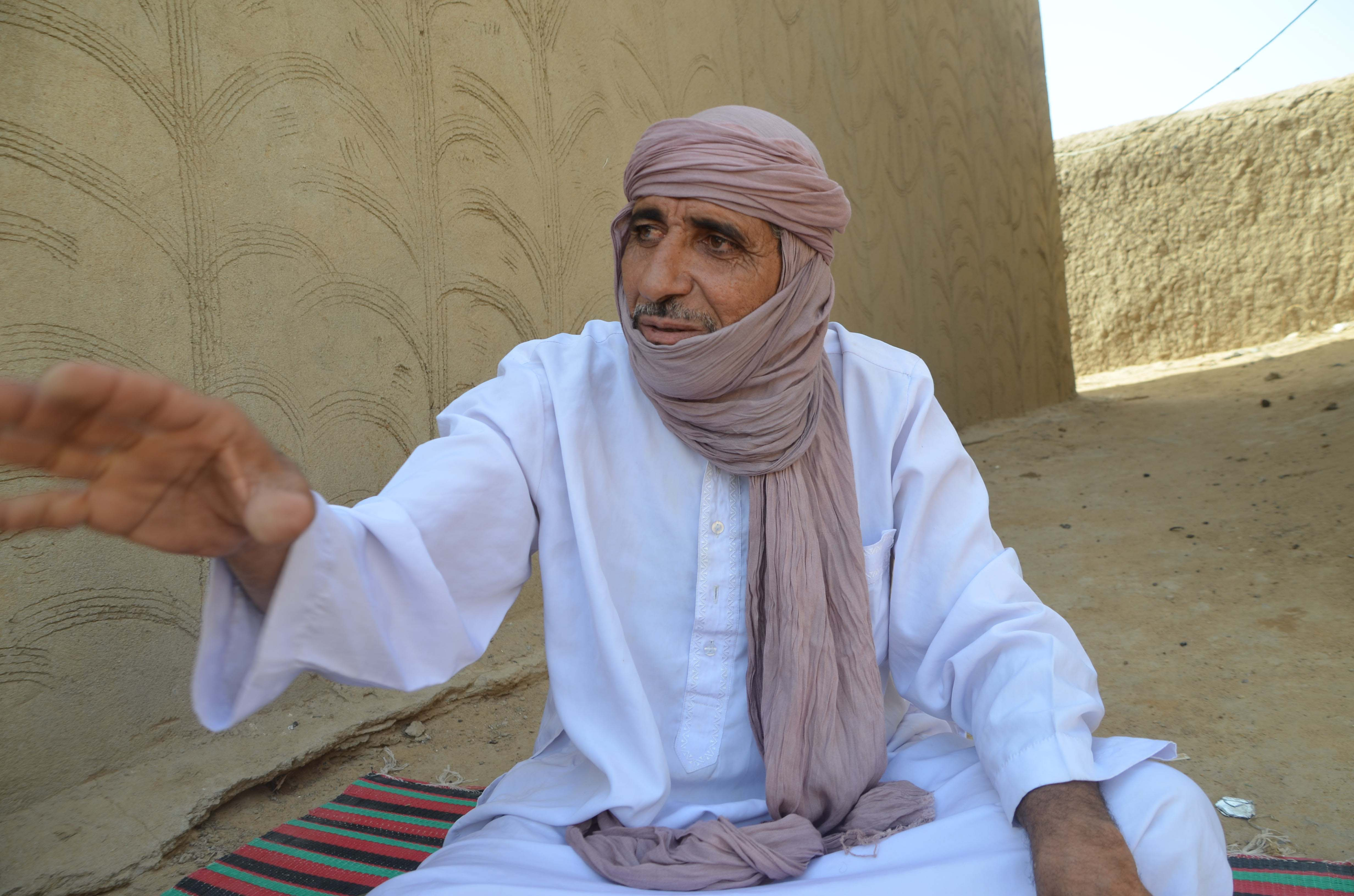 Najim Ould Abdallah, a shop-keeper from Gao, fled his house to stay at a friends when he heard the Malian army had arrived. He stayed there for 20 days and upon returning, found his house had been looted. A neighbour told him Malian soldiers had broken in
