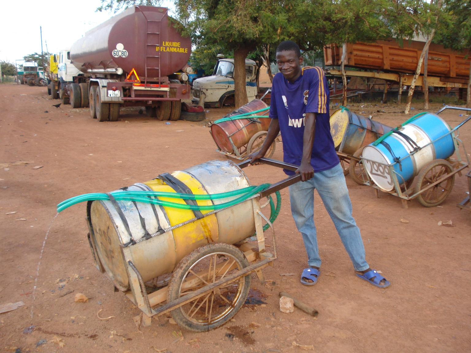 A 'barrique' (220 litre barrel on wheels) for conveying water, in Burkina Faso capital, Ouagadougou (2009)
