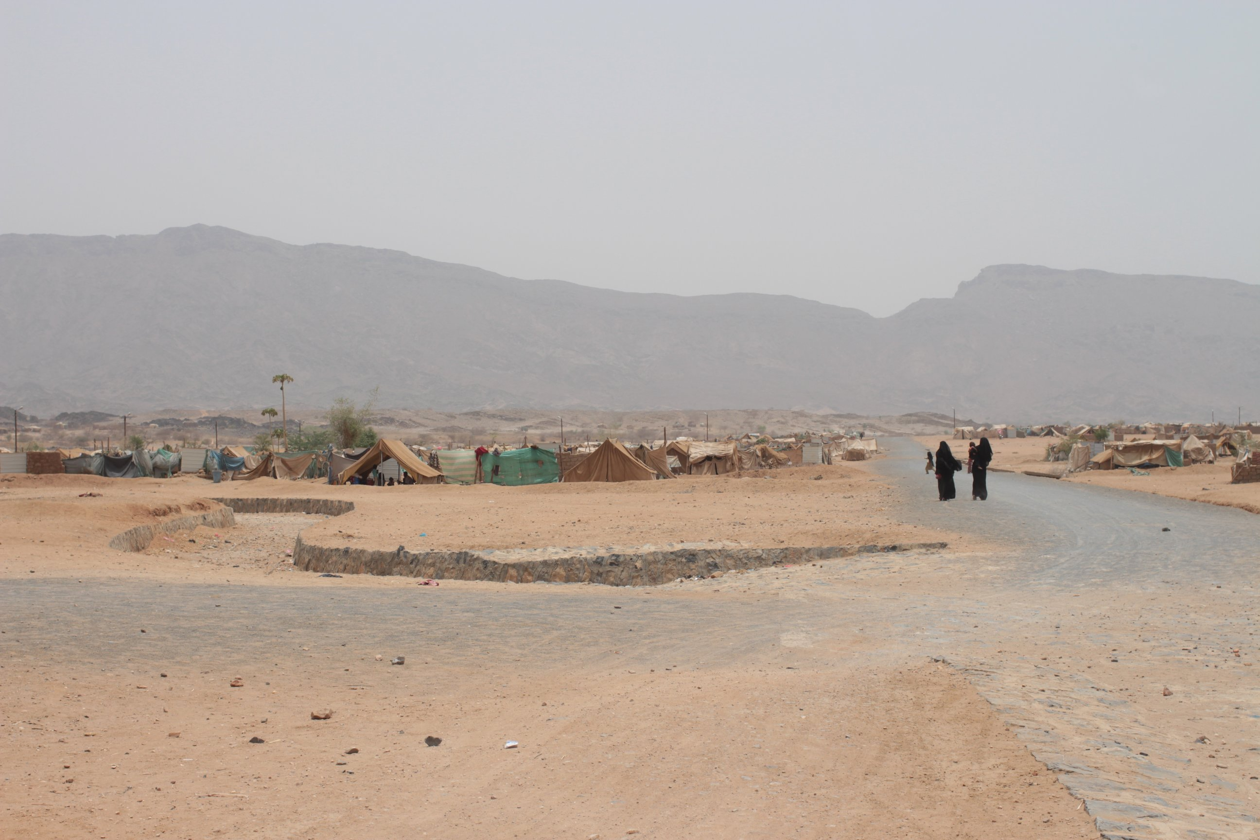 Displaced persons in Mazraq (3) camp in northern Yemen are still not ready to return to Sa'dah following the conflict (May 2013)