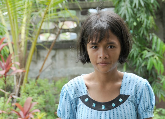 In 2007, an extremely malnourished Phyoe Thandar Win came to a SAW shelter from her Karen village with a CD4 count of only two. Today, the 17-year-old has a CD4 count of more than 1,000 after receiving ARV treatment