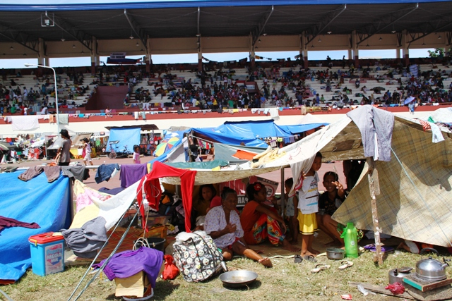 A scene inside the Jose Enriquez Sports Complex on 18 September, 2013 in Zamboanga, Mindanao. More than 100,000 people have been displaced following recent fighting between government forces and the Moro National Liberation Front (MNLF)