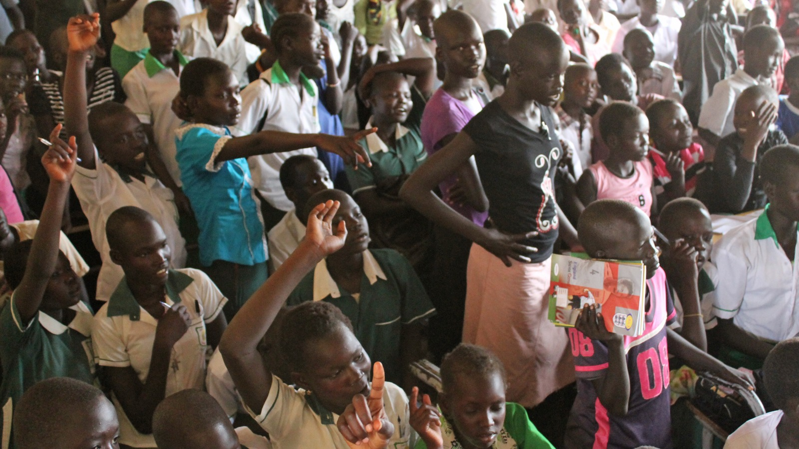 Over 300 children in a P6 class in Gudele East Primary School, Juba. (Apr 2014)