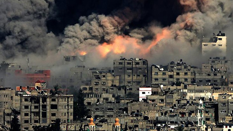 Air raids on a residential neighborhood in Gaza by the Israeli air force. July 2014