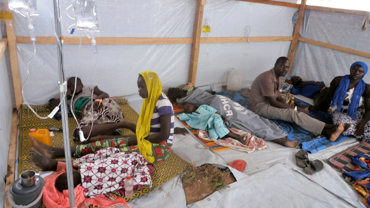 Refugees get treatment against diarrhoea and malaria