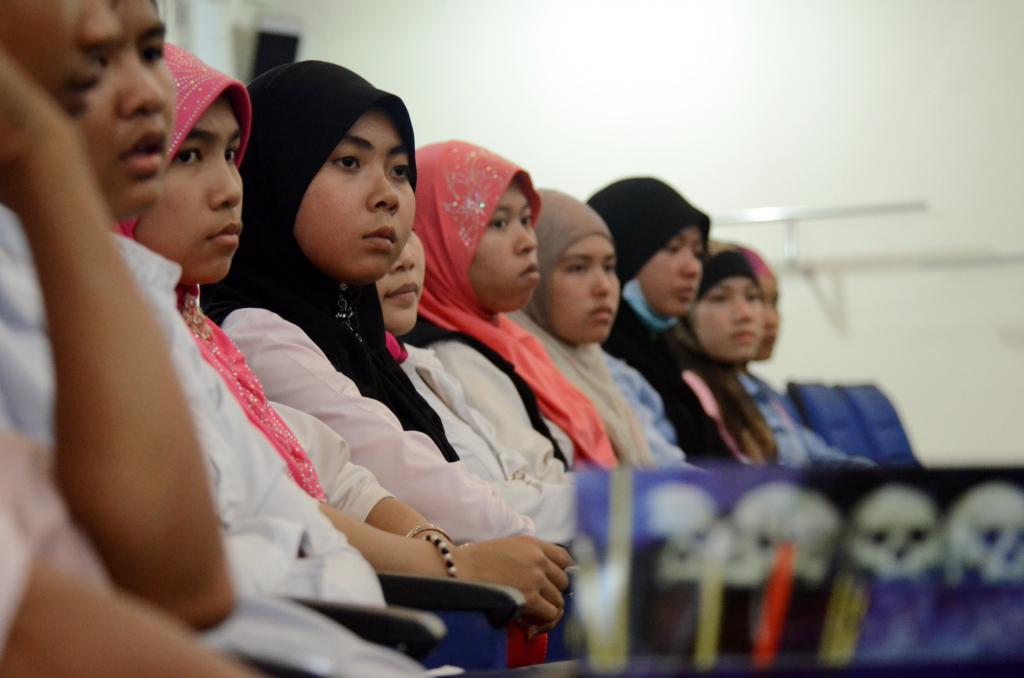 Students including members of the ethnic Cham Muslim minority visited the war crimes tribunal in Cambodia in March 2013
